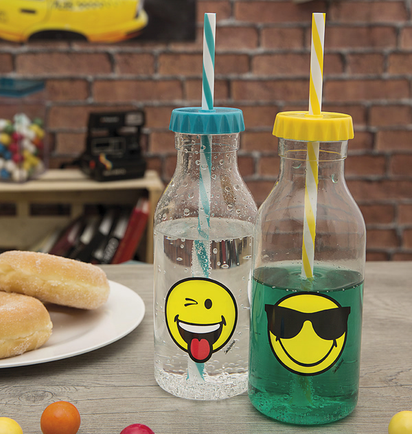 bakeria soda flasche smiley cool emoticon zak design flaschen. Black Bedroom Furniture Sets. Home Design Ideas